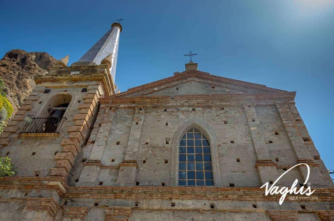 Pentedattilo: La chiesa dei Santi Apostoli Pietro e Paolo - © Vaghis - viaggi & turismo Italia - Tutti i diritti riservati