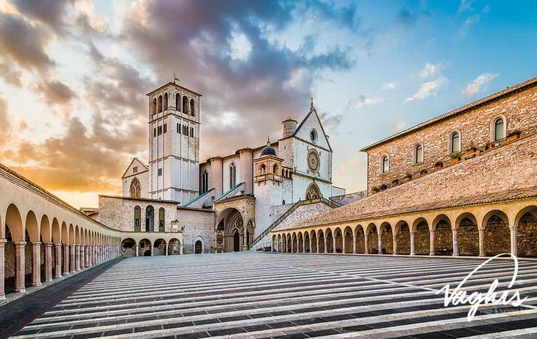 Basilica di Assisi - ingresso Basilica inferiore - © Vaghis - Viaggi & turismo Italia - Tutti i diritti riservati