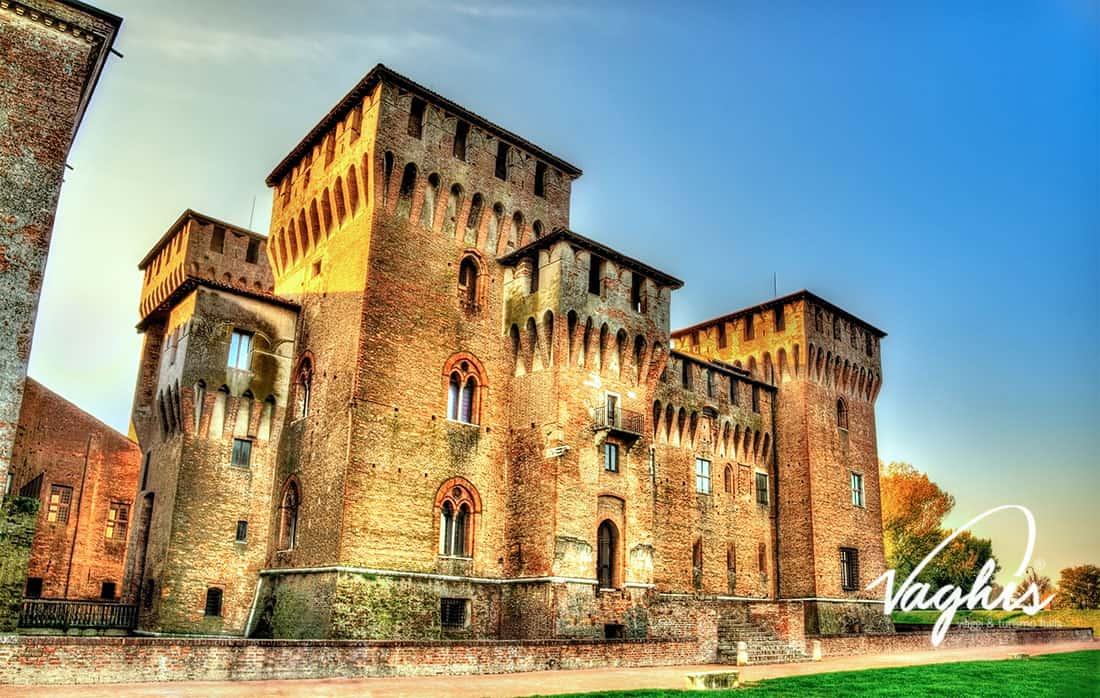 Mantova - Cattedrale di San Pietro - © Vaghis - Viaggi & turismo Italia - Tutti i diritti riservati