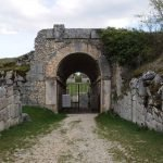 Alba Fucens Anfiteatro facciata esterna dell'ingresso
