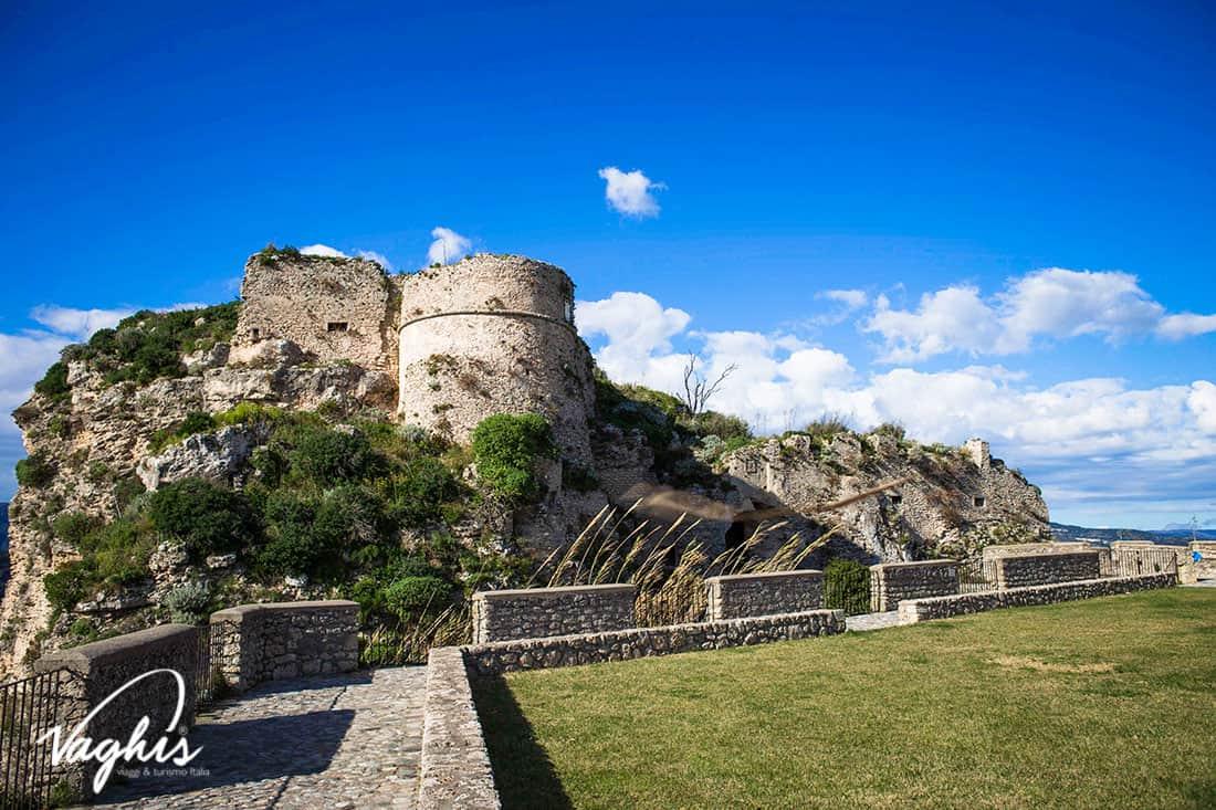 Gerace- Il Castello- © Vaghis - viaggi & turismo Italia - Tutti i di-ritti riservati.jpg