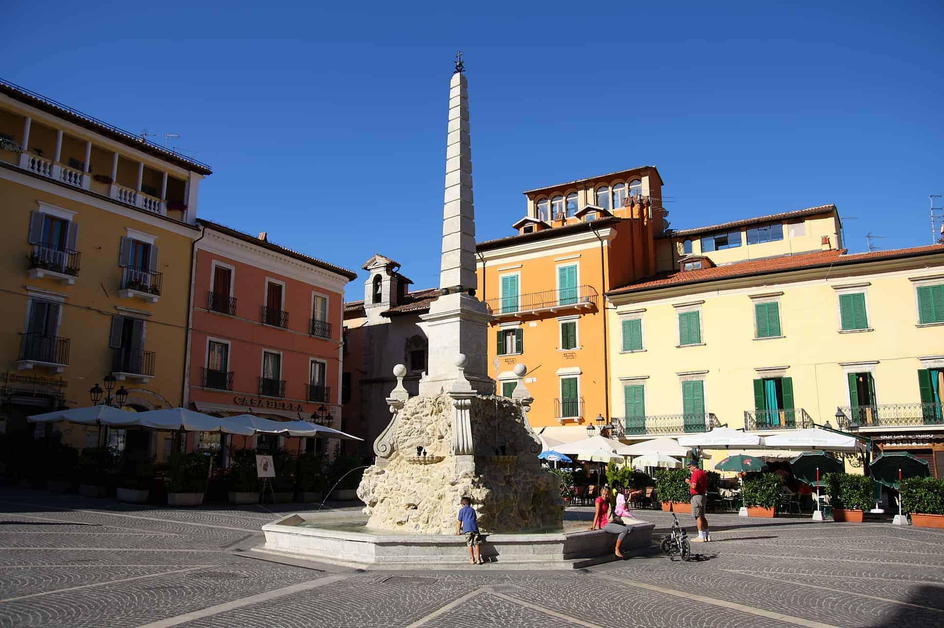 Tagliacozzo: Piazza dell'obelisco