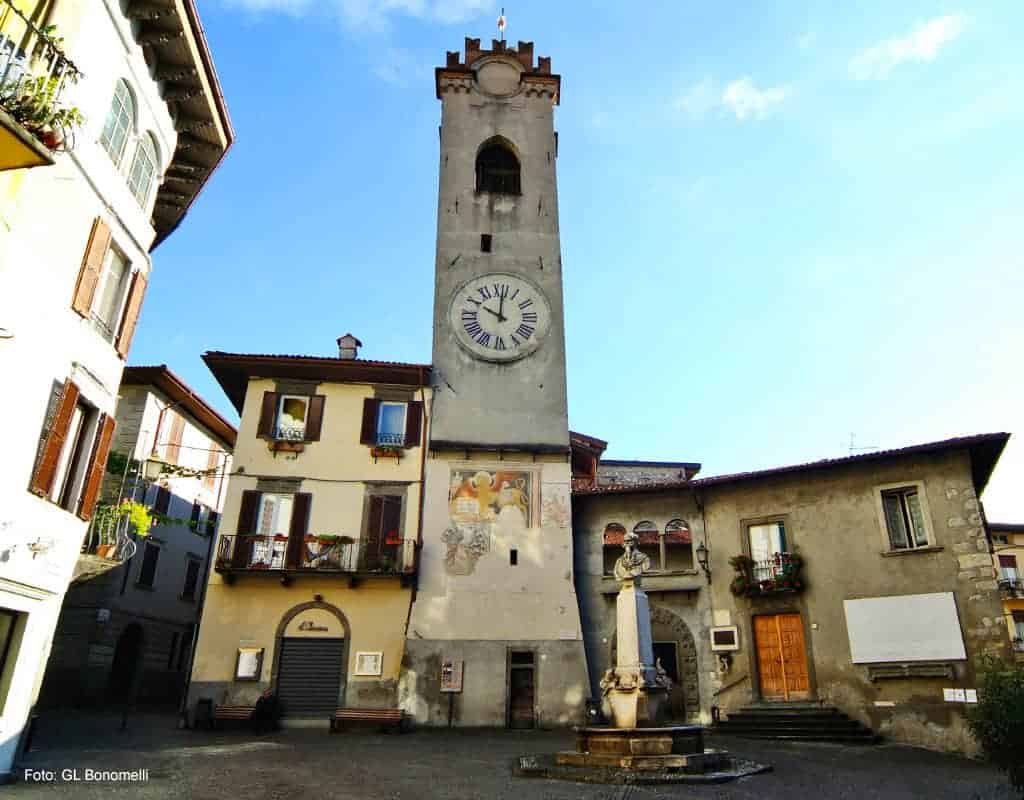 Lovere Piazza Vittorio Emanuele II