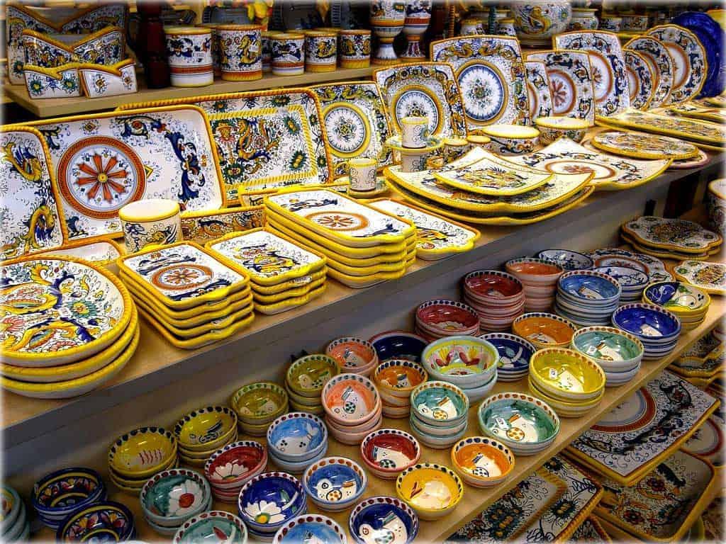 Positano i piatti in ceramica