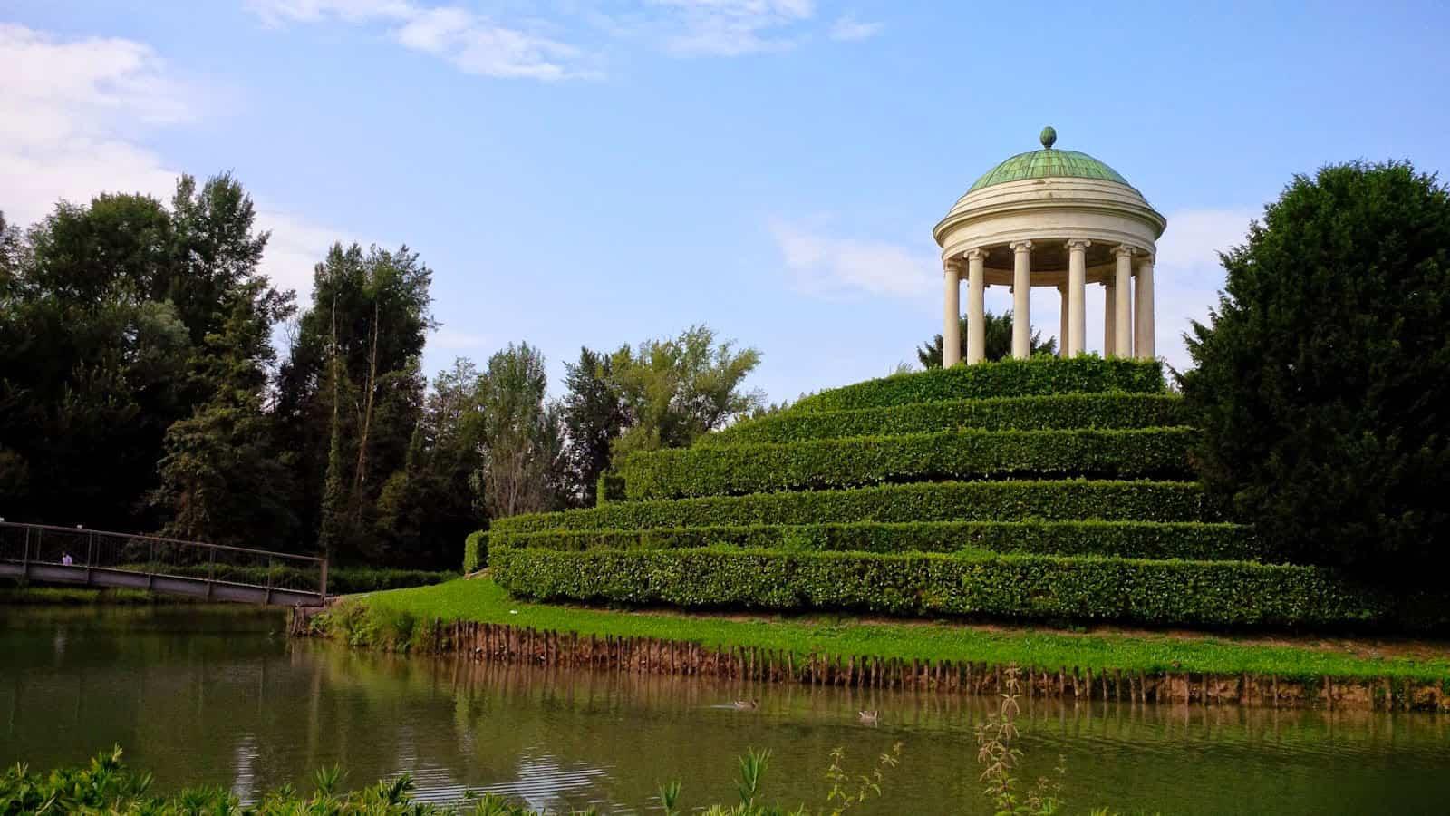 Vicenza - Parco Querini - tempietto neoclassico