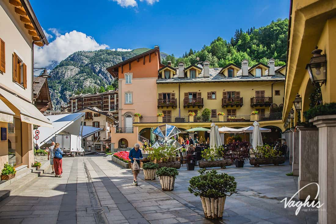 Courmayeur - © Vaghis -viaggi & turismo Italia - Tutti i diritti riservati