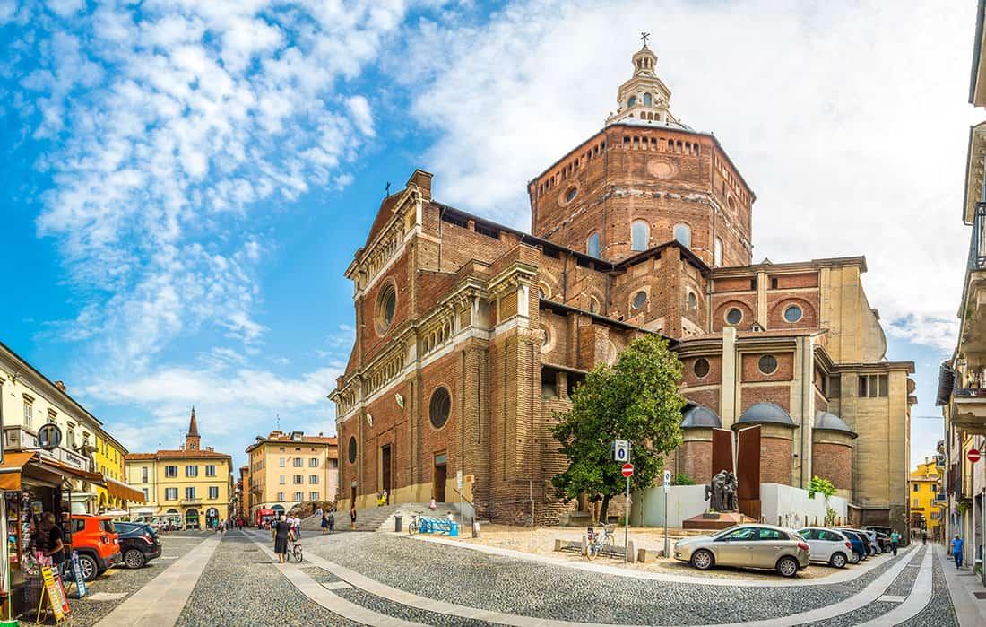 Pavia - Il duomo - © Vaghis - viaggi & turismo Italia - Tutti i diritti riservati
