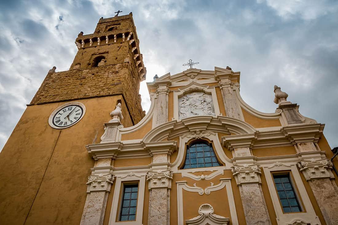 Pitigliano: La cattedrale dei santi Pietro e Paolo - © Vaghis - viaggi & turismo Italia Tutti i diritti riservati