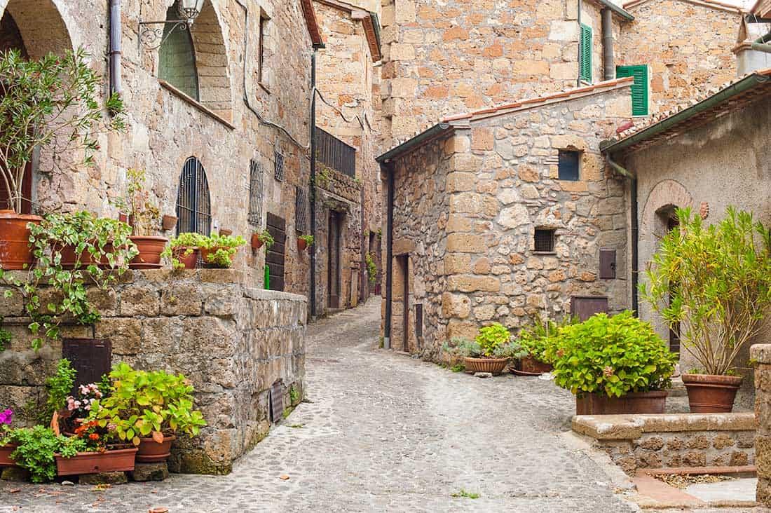 Sorano - I vicoli del borgo - © Vaghis - viaggi & turismo Italia Tutti i diritti riservati