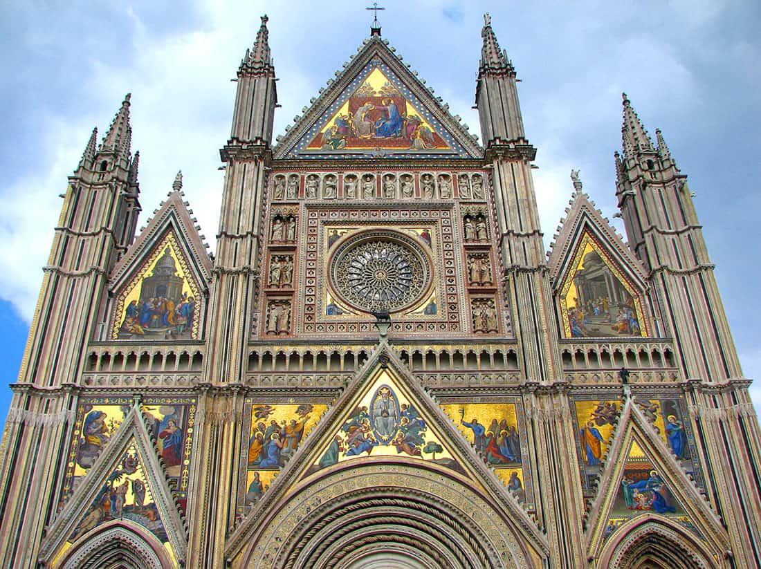 Il duomo di Orvieto: La facciata - © Vaghis - viaggi & turismo Italia Tutti i diritti riservati