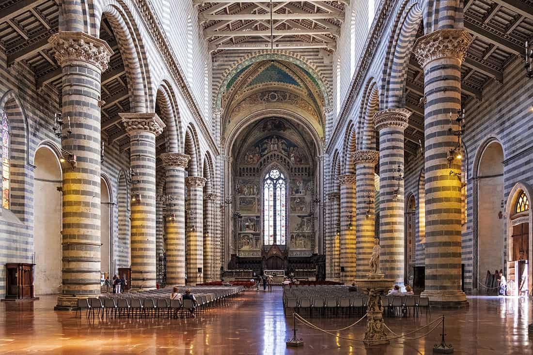 Il duomo di Orvieto: L'interno - © Vaghis - viaggi & turismo Italia Tutti i diritti riservati