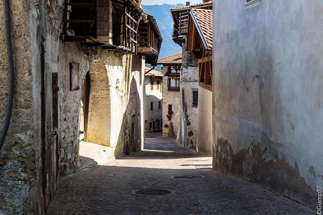 Rango - © Vaghis - viaggi & turismo Italia Tutti i diritti riservati