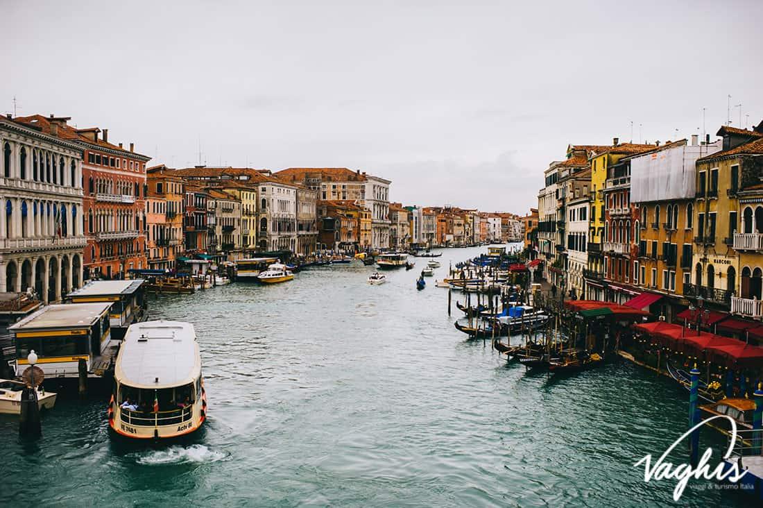 Burano - © Vaghis - viaggi & turismo Italia - Tutti-i-diritti riservati