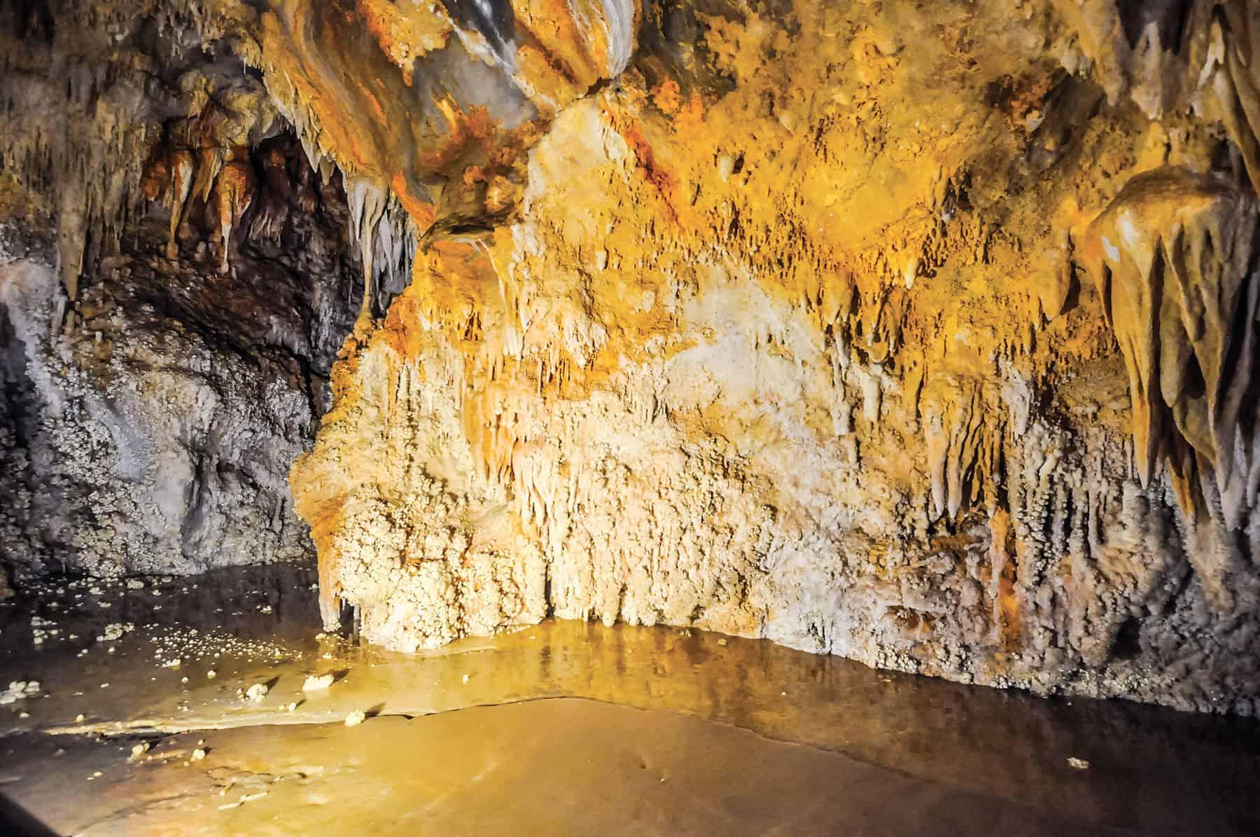 Grotte di Toirano - © Vaghis - viaggi & turismo Italia - Tutti-i-diritti riservati