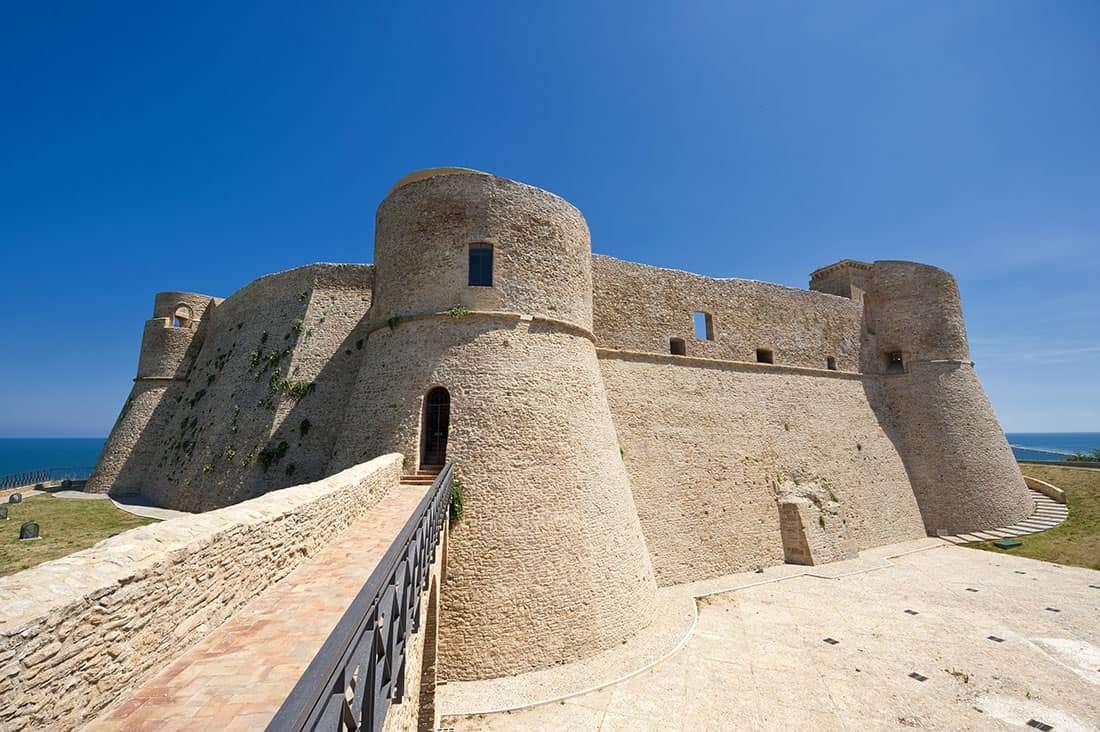 Costa dei Trabocchi: Il Castello Aragonese di Ortona– Vaghis viaggi & turismo Italia - Tutti i diritti riservati