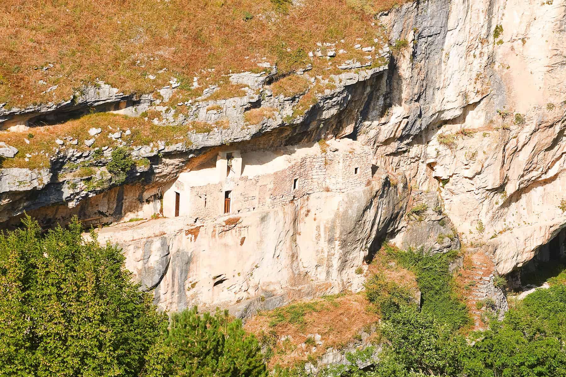 Eremo di San Bartolomeo in Legio – Vaghis viaggi & turismo Italia - Tutti i diritti riservati