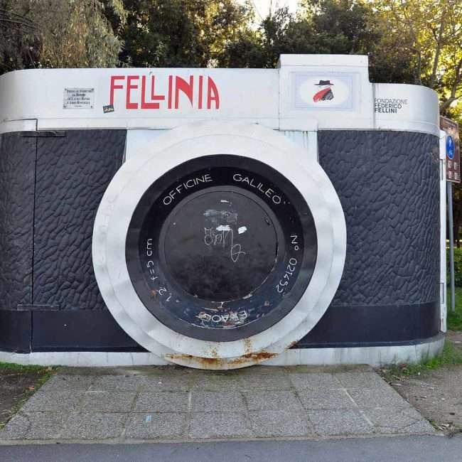 Fellinia la macchina fotografica gigante di Rimini - © Vaghis - viaggi & turismo Italia - Tutti-i diritti riservati