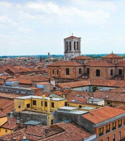 FERRARA: UNA BELLEZZA RINASCIMENTALE DA VIVERE SU DUE RUOTE