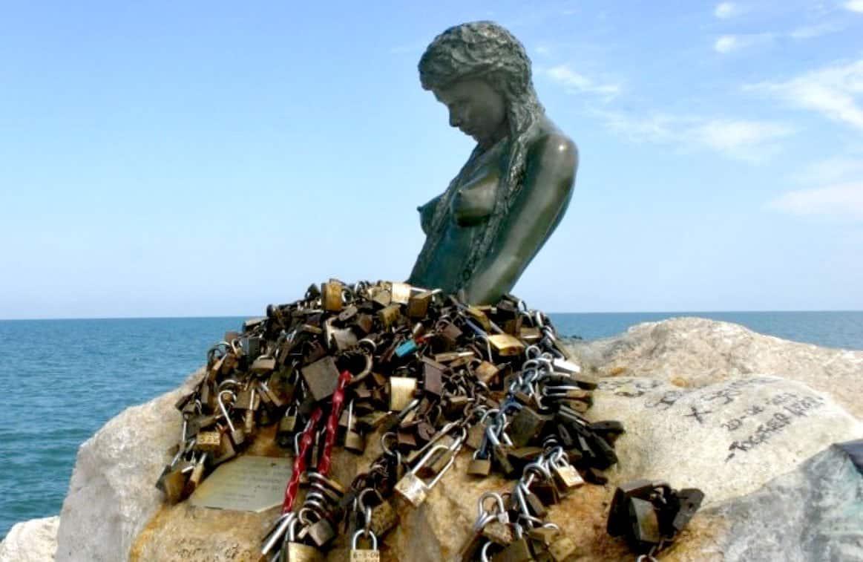 La-statua-di-Penelope-di-Senigallia-