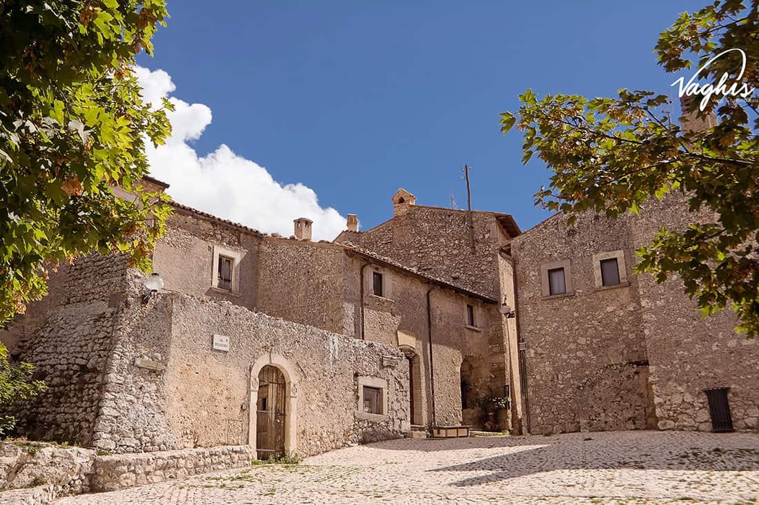 Santo Stefano di Sessanio: Centro storico - © Vaghis - viaggi & turismo Italia - Tutti i diritti riservati