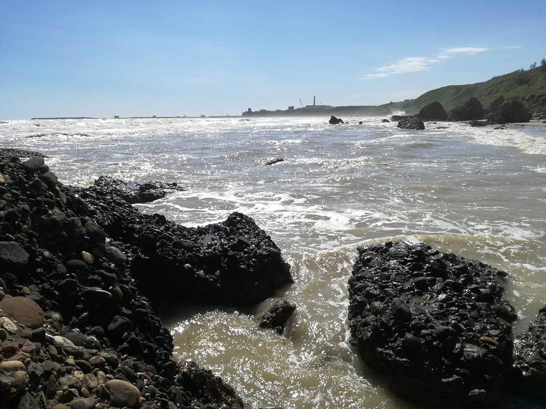 La spiaggia di Punta Penna e il faro - Foto concessa da © www.puntaderci.it - Tutti i diritti riservati