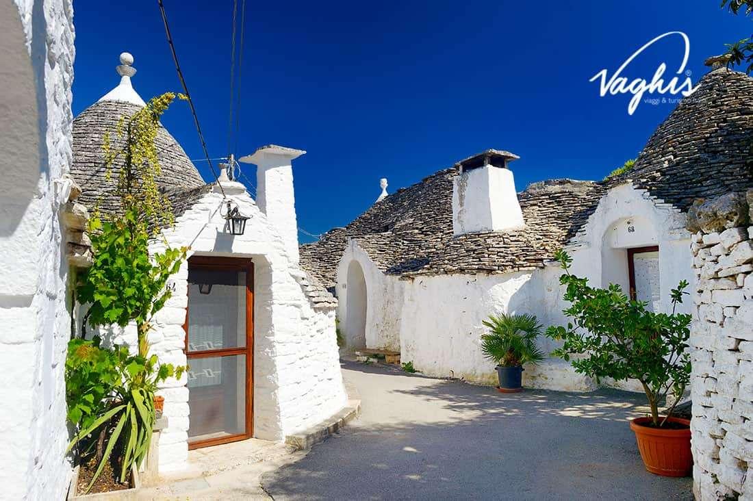 Alberobello: Rione Aia Piccola - © Vaghis viaggi & turismo Italia - Tutti i diritti riservati
