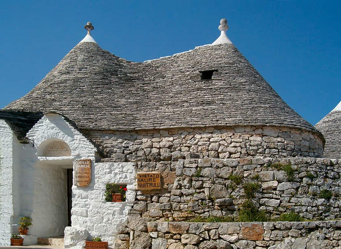 Alberobello: Trullo Siamese