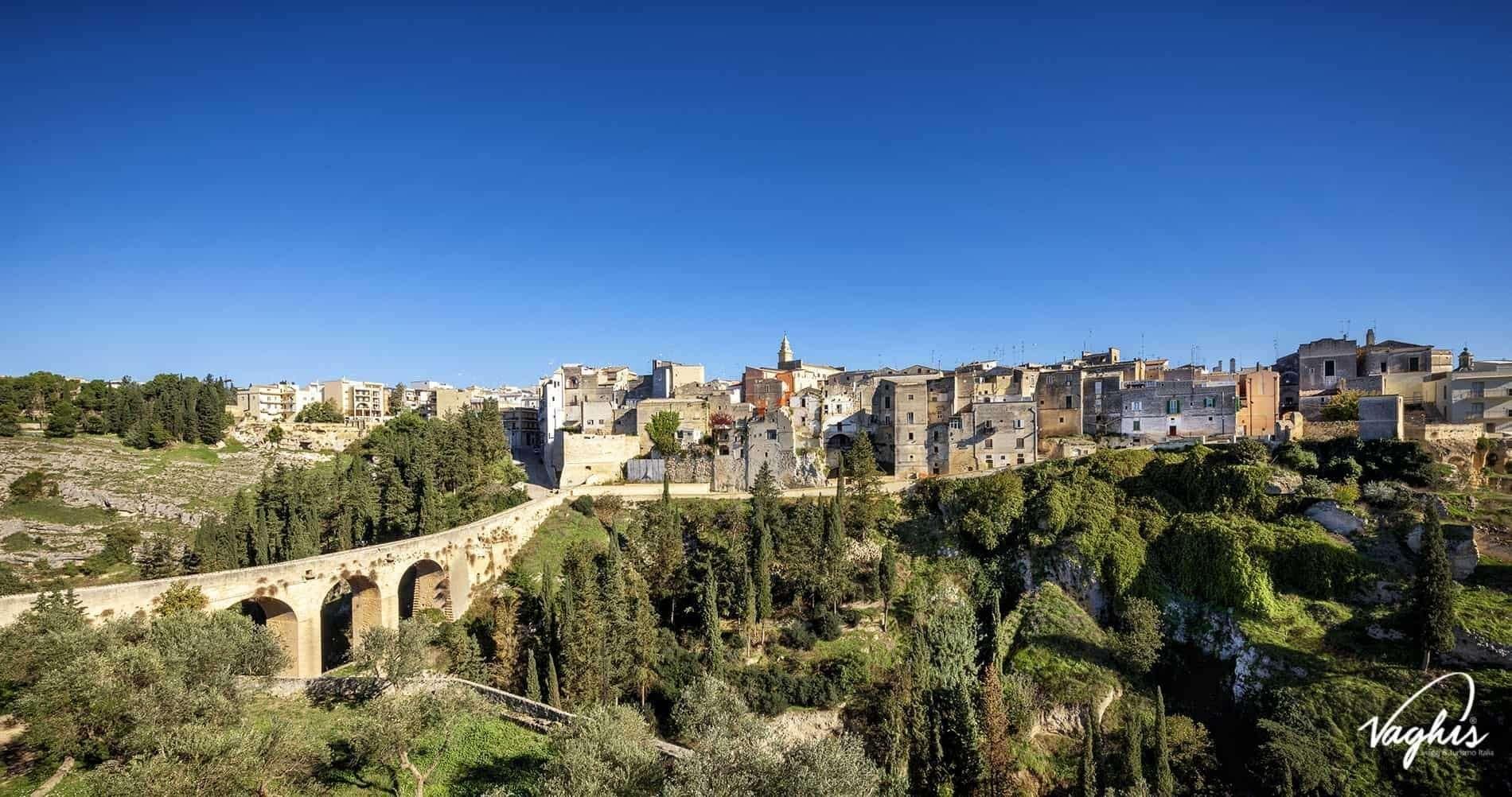 Gravina In Puglia Il Paese Scavato Nella Roccia