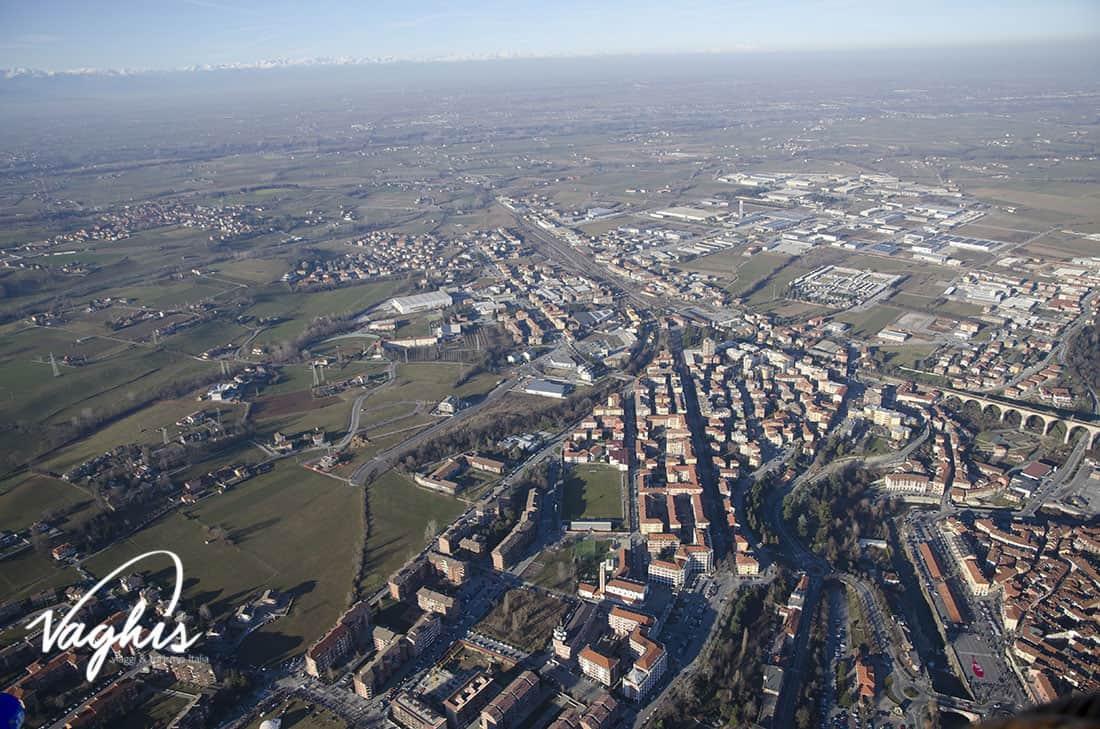 Mondovì: vista aerea da una mongolfiera - © Vaghis viaggi & turismo Italia - Tutti i diritti riservati