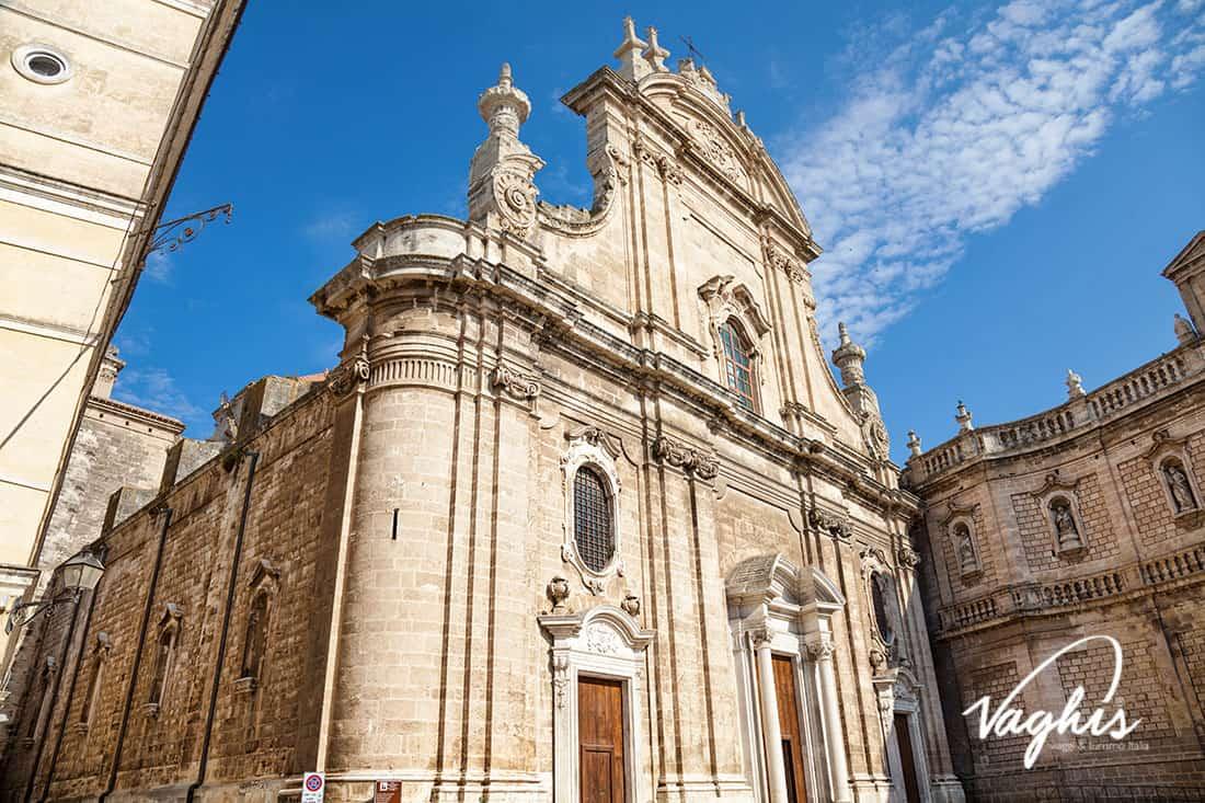 Monopoli: La Cattedrale di Maria Santissima della Madia - © Vaghis viaggi & turismo Italia - Tutti i diritti riservati