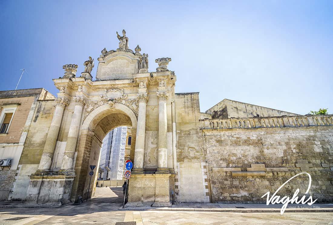 Porta Rudiae - © Vaghis - viaggi & turismo Italia - Tutti i diritti riservati