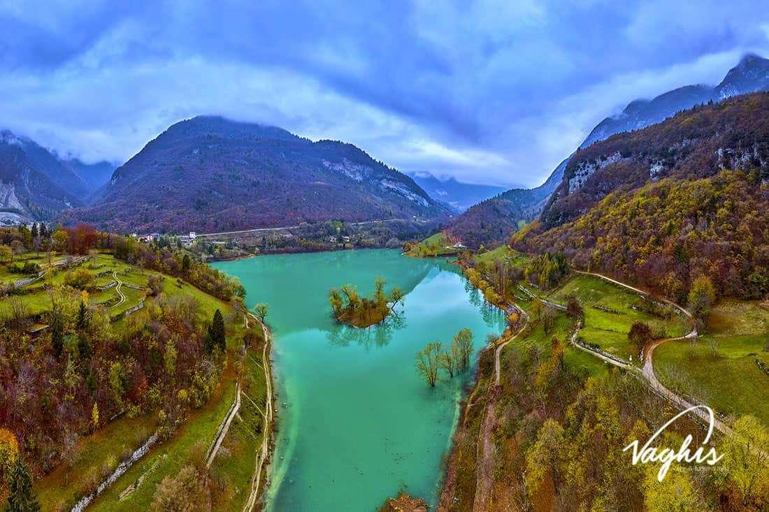 Lago di Tenno - © Vaghis - viaggi & turismo Italia - Tutti i di-ritti riservati.jpg