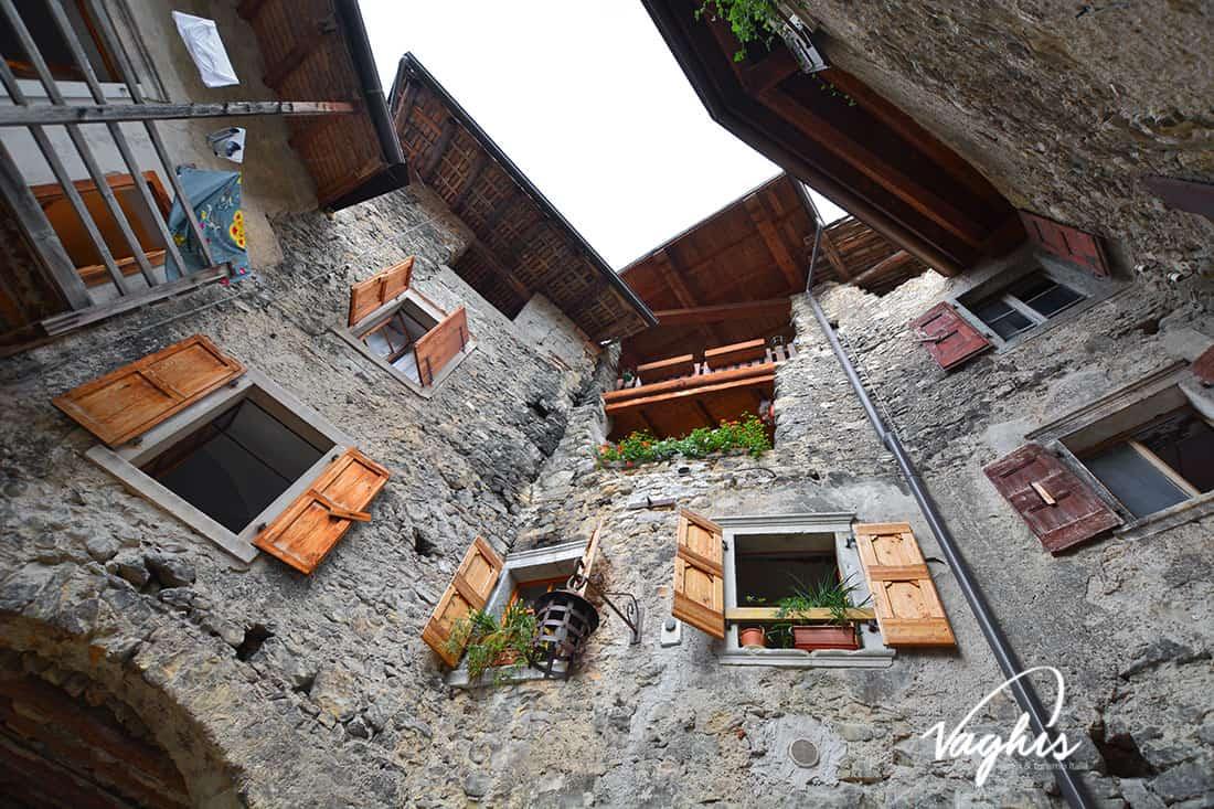 Canale di Tenno - © Vaghis - viaggi & turismo Italia - Tutti i di-ritti riservati.jpg