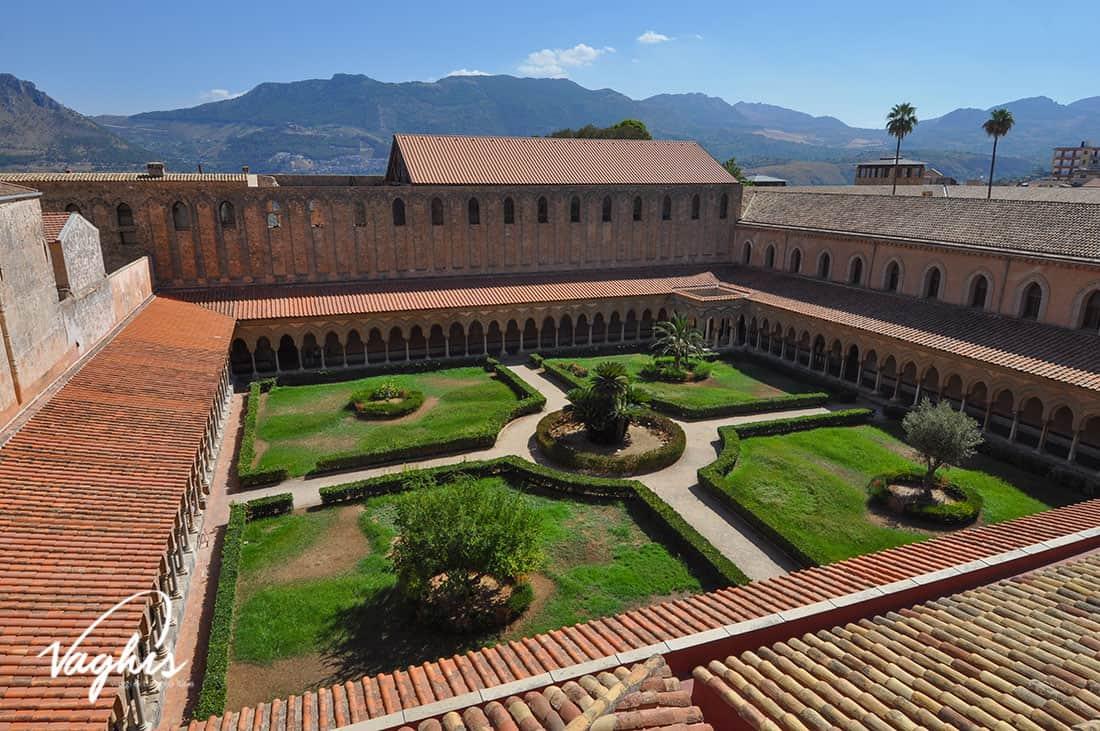 Monreale: Il Chiostro dei Benedettini - © Vaghis - viaggi & turismo Italia - Tutti i di-ritti riservati