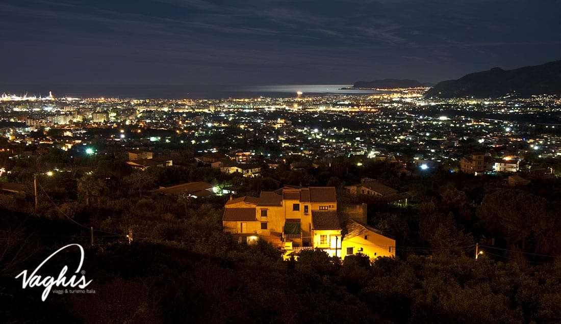 Monreale: Vista di Palermo dal belvedere - © Vaghis - viaggi & turismo Italia - Tutti i di-ritti riservati