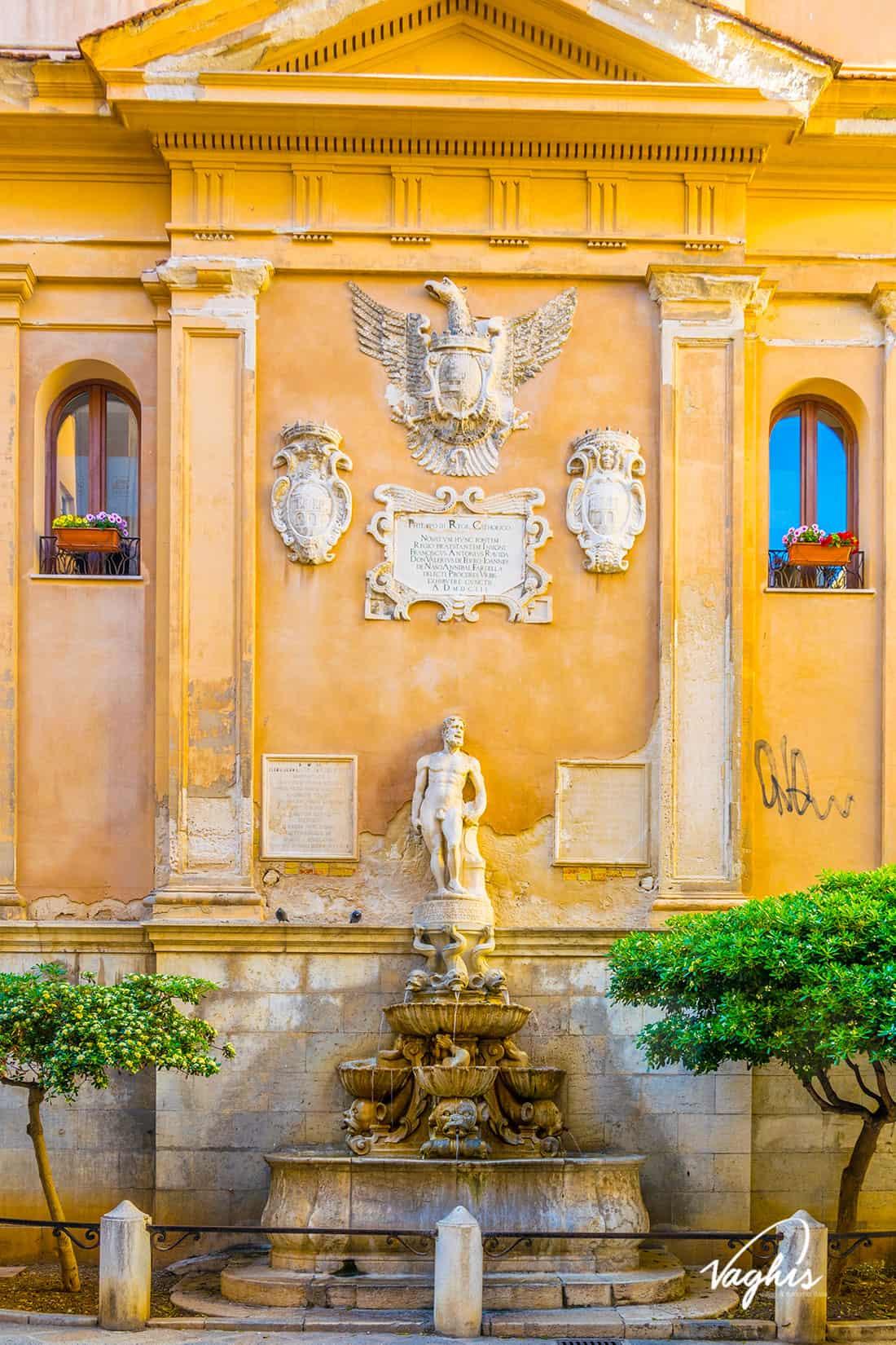 Trapani: Fontana di Saturno - © Vaghis - viaggi & turismo Italia - Tutti i di-ritti riservati