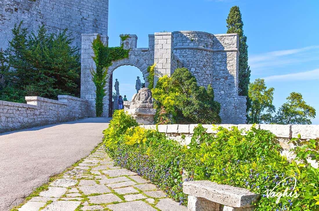 Castello di Duino - © Vaghis - viaggi & turismo Italia - Tutti-i-diritti riservati