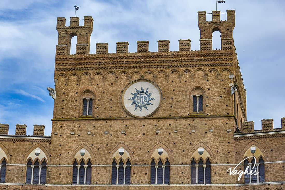 Siena: Palazzo Pubblico - © Vaghis - viaggi & turismo Italia - Tutti-i-diritti riservati