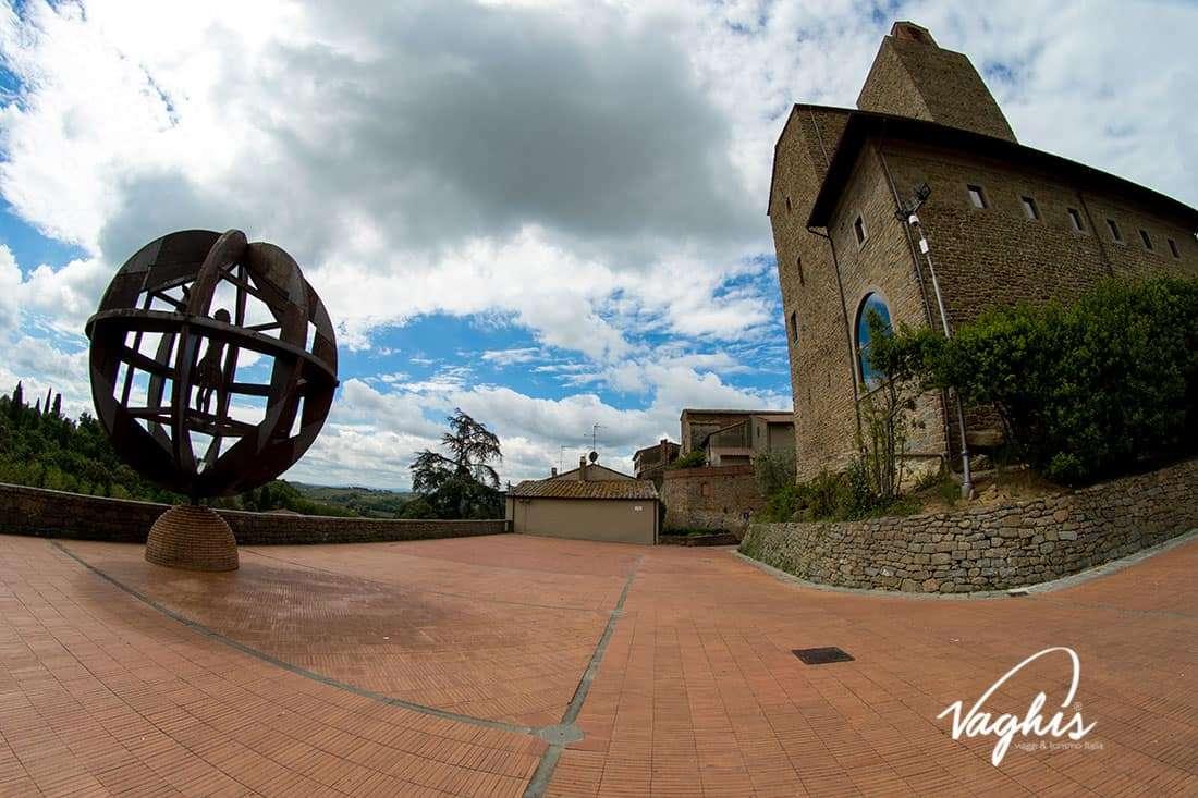 Vinci: LA creazione lignea di Mario Cevoli - © Vaghis - viaggi & turismo Italia - Tutti i diritti riservati