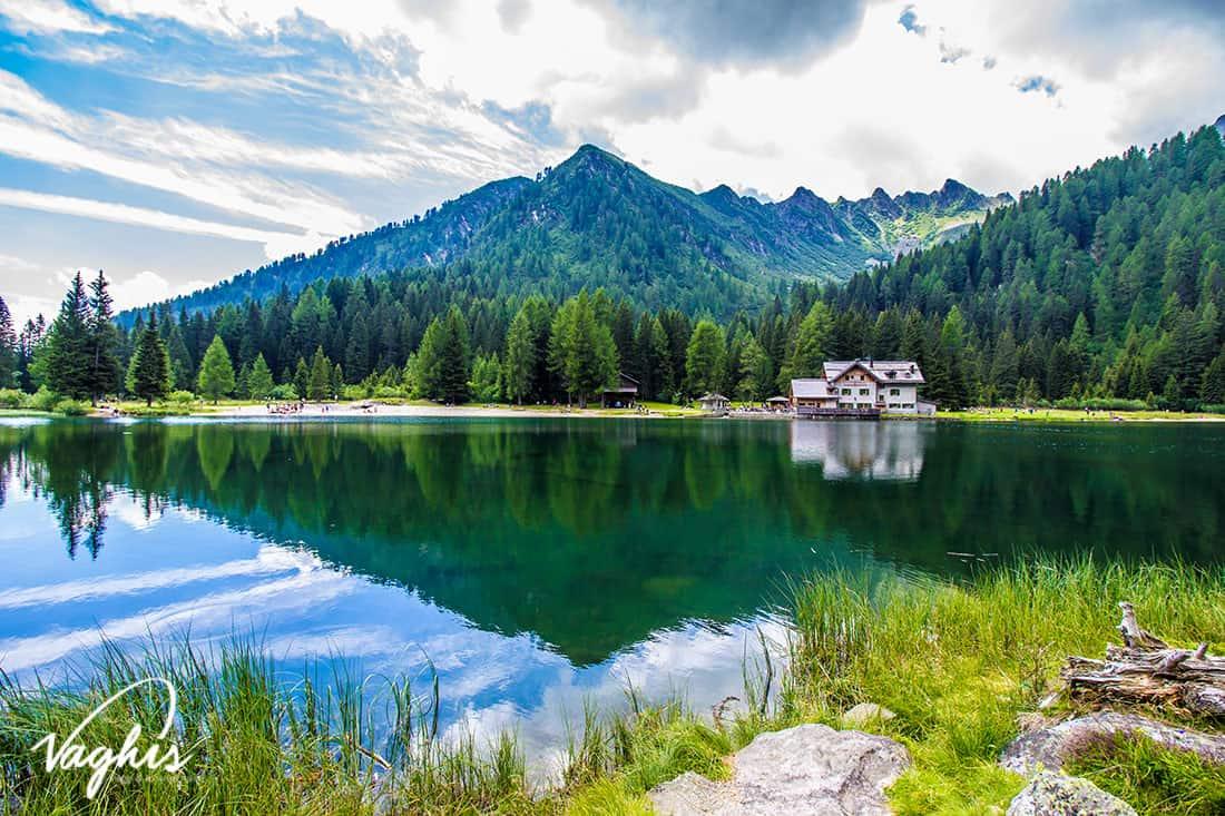 Madonna di Campiglio: Lago di Nambino - © Vaghis - viaggi & turismo Italia - Tutti i diritti riservati