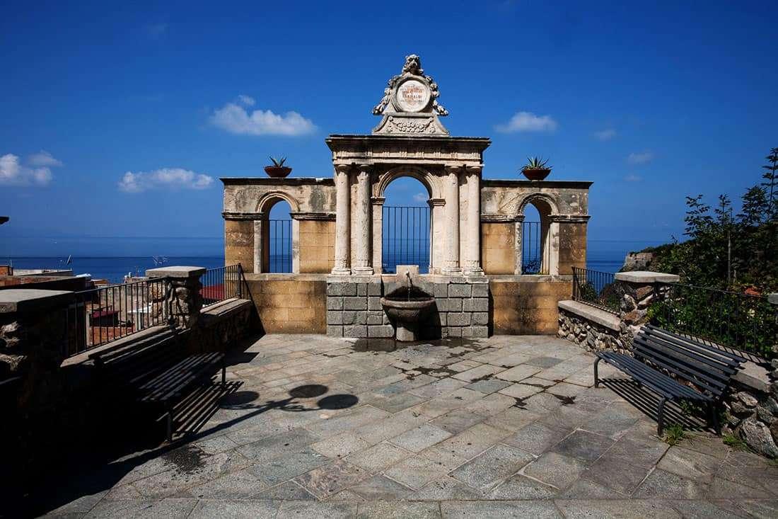Bagnara Calabra: Fontana Garibaldi