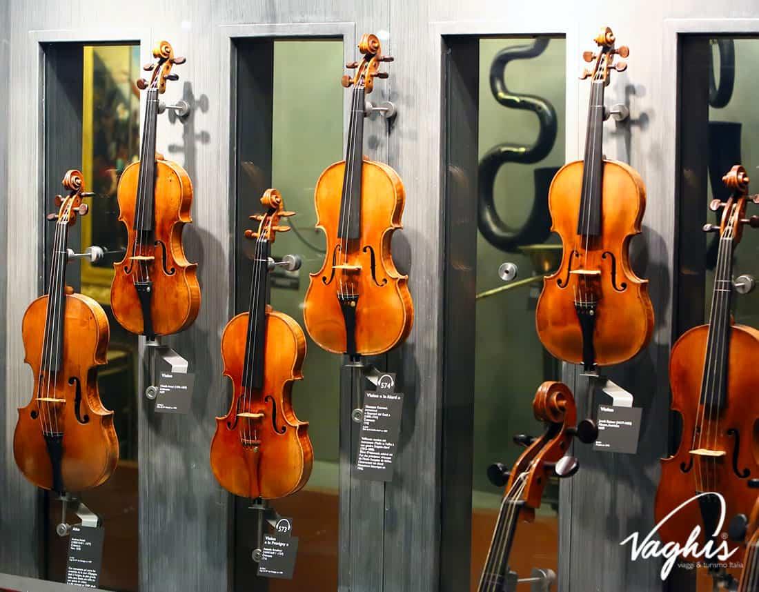 Cremona: Museo del Violino - © Vaghis - viaggi & turismo Italia - Tutti i diritti riservati