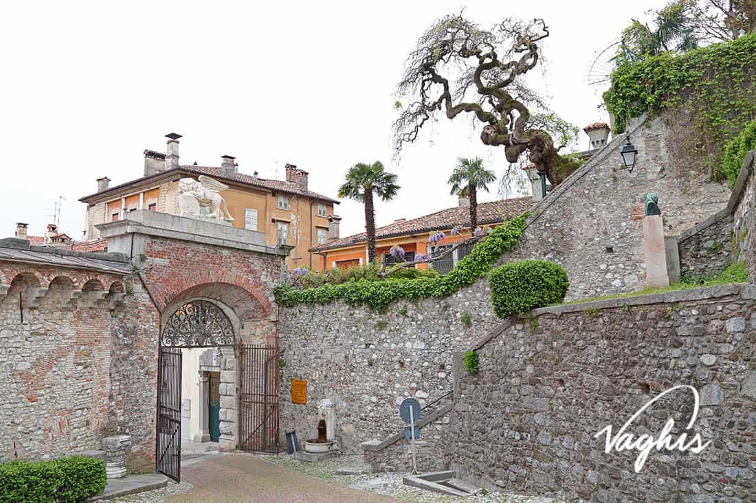 Udine: Il Castello - © Vaghis - viaggi & turismo Italia - Tutti i diritti riservati