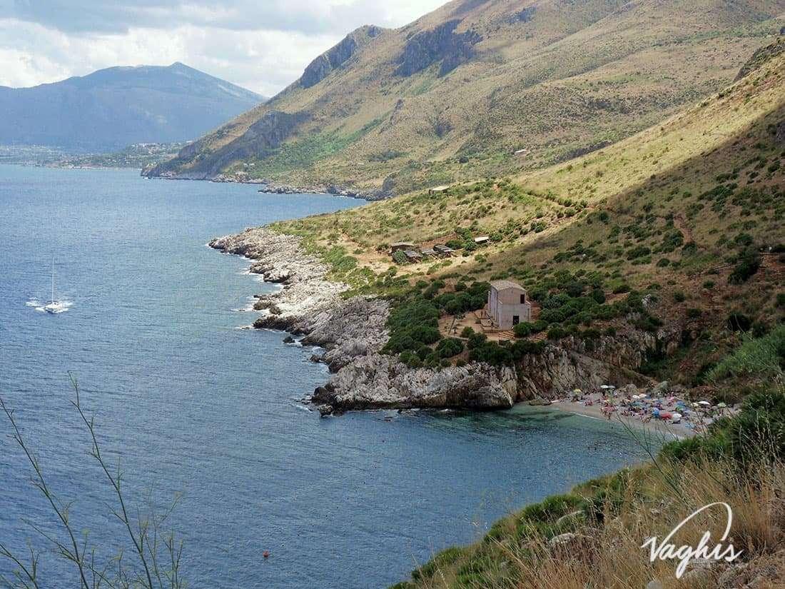 Riserva dello Zingaro: Cala Tonnarella - © Vaghis - Viaggi & turismo Italia - Tutti i diritti riservati