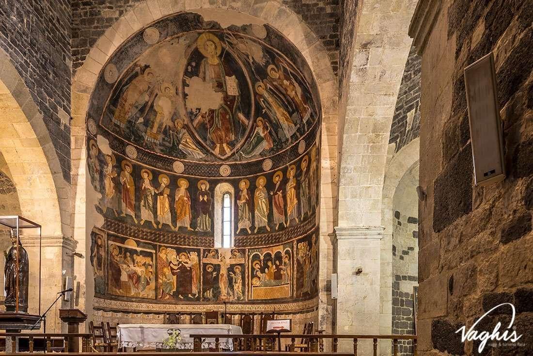 Basilica della Santissima Trinità di Saccargia - © Vaghis - Viaggi & turismo Italia - Tutti i diritti riservati