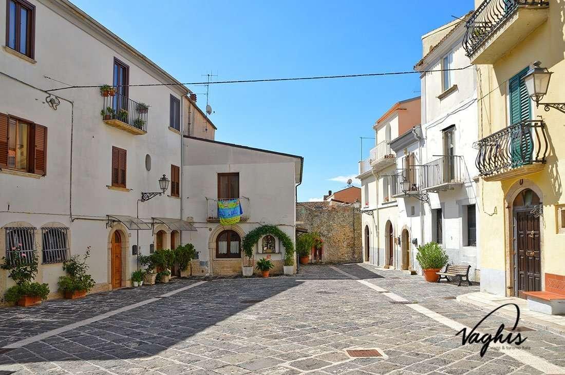 Isernia - © Vaghis - Viaggi & turismo Italia - Tutti i diritti riservati