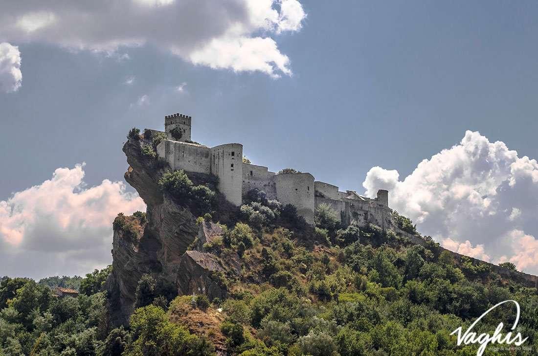 Castello di Roccascalegna - © Vaghis - Viaggi & turismo Italia - Tutti i diritti riservati