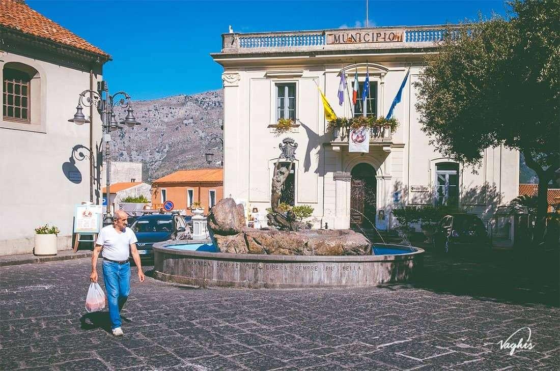 Maratea: Fontana della Sirena - © Vaghis - Viaggi & turismo Italia - Tutti i diritti riservati