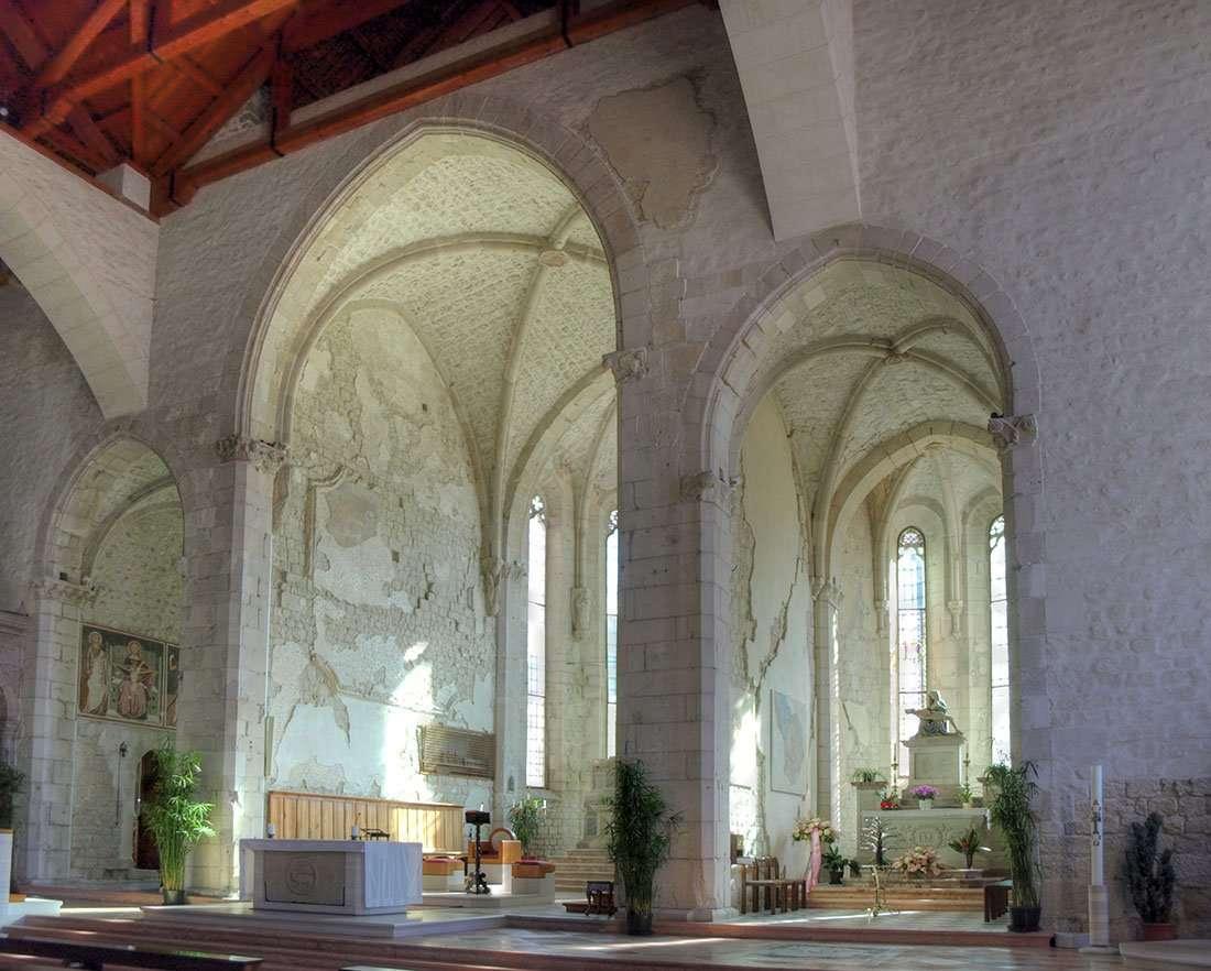Venzone: L'interno del Duomo