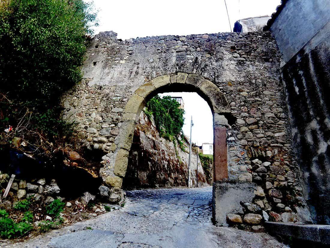 Caulonia: porta Sant'Antonio